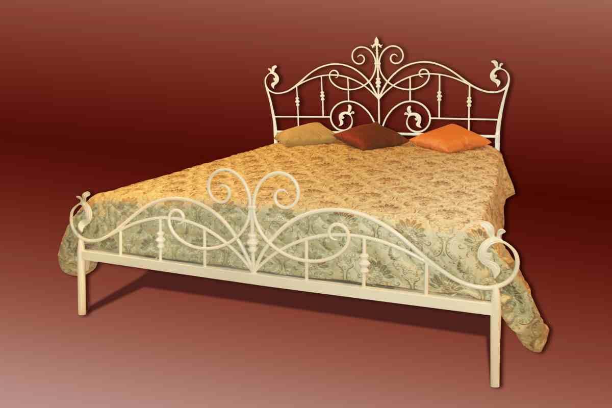 Декоративные кровати своими руками