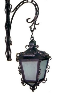 Кованый фонарь