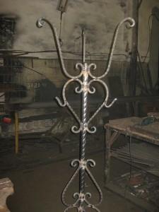 Кованая вешалка